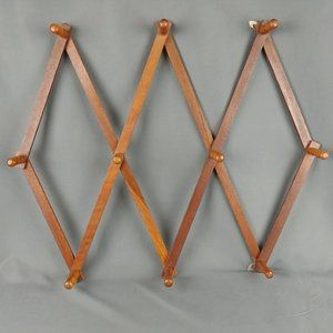 Vtg Wood Jewelry Mug Rack Wall Display